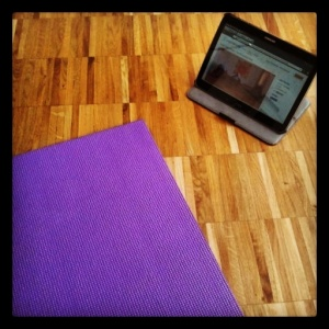 Yoga zu Hause mit Online-Video