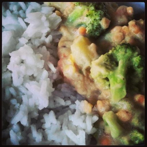 Gemüsecurry mit Reis vegan