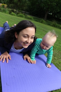 Yoga für Mama & Baby: Die Kobra