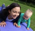 Yoga für Mama & Baby: Kobra