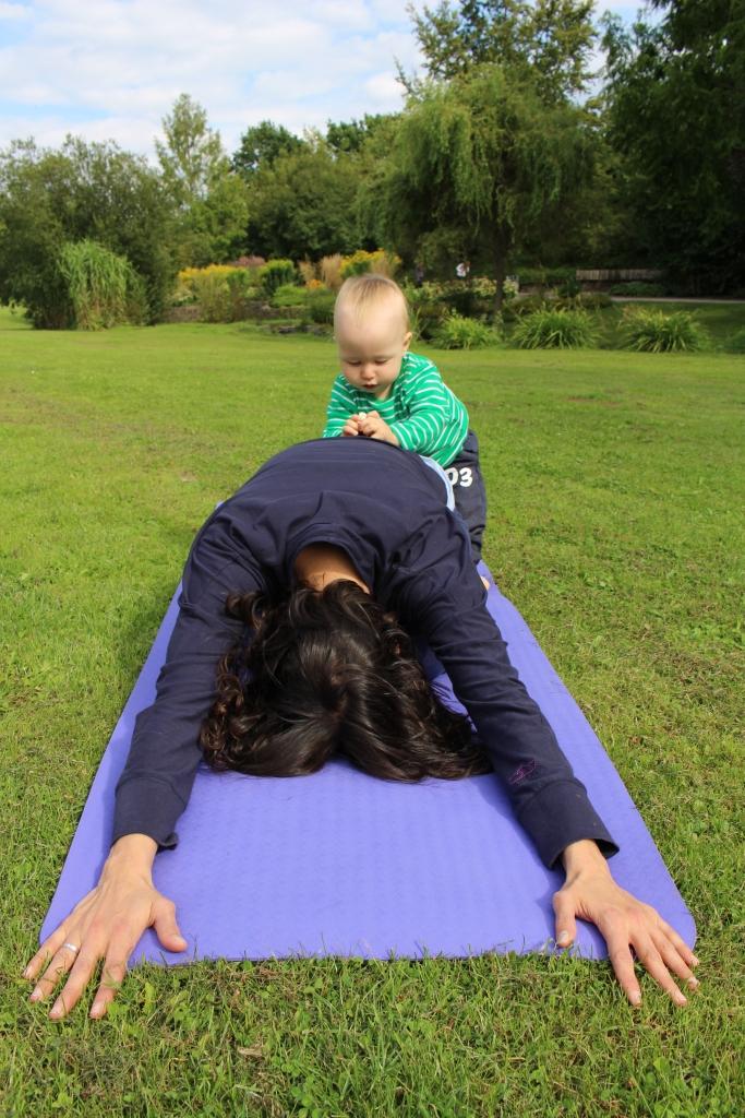 Yoga-Übung Stellung des Kindes