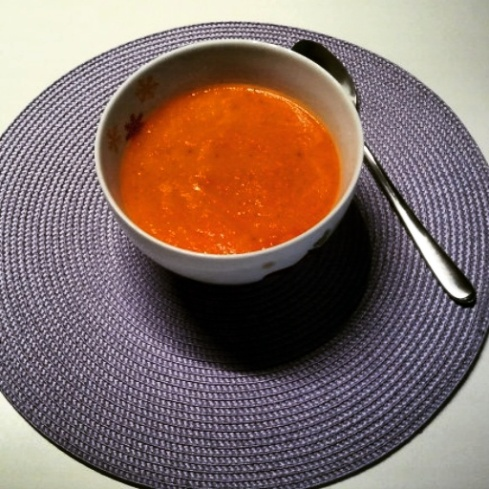Vegane Tomaten-Fenchelsuppe