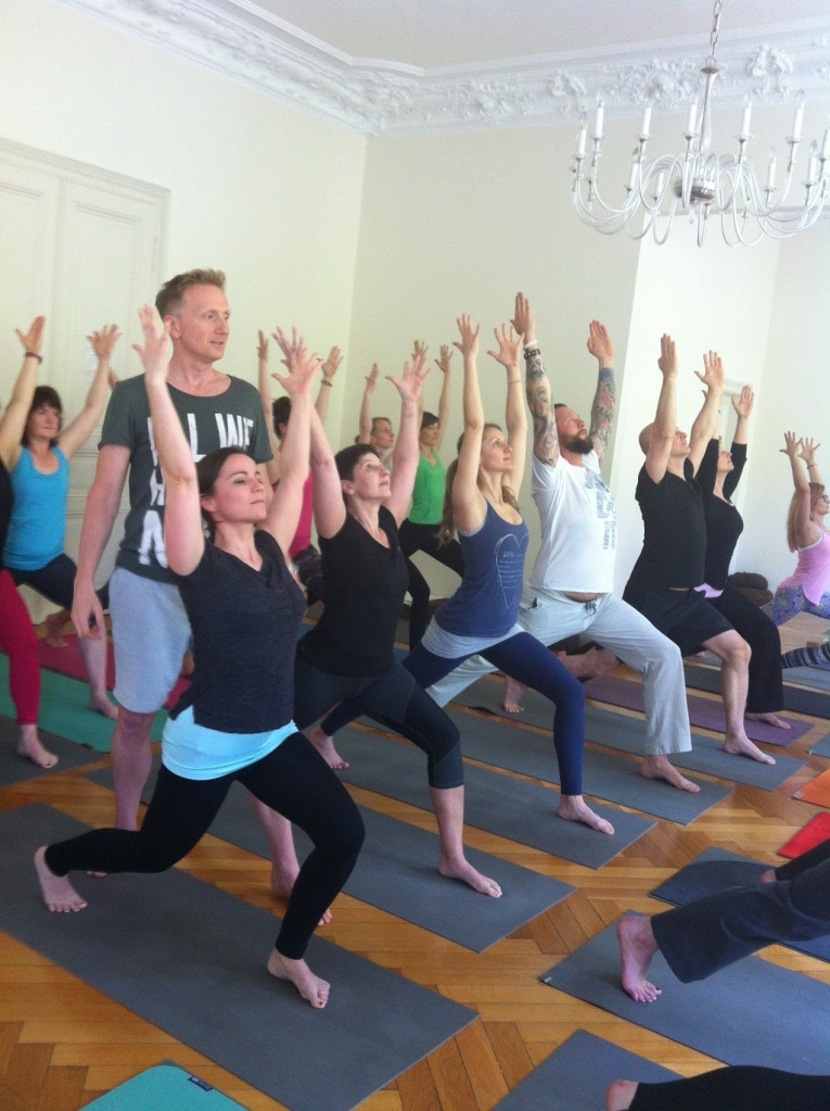 Yogapraxis mit Holger Zapf im UNIT Yoga
