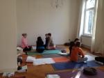 Gruppenarbeit bei der Yogalehrer Ausbildung im UNIT Yoga