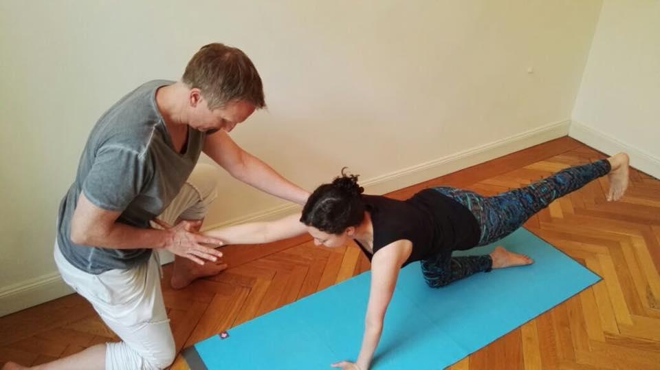 Yoga für den unteren Rücken | YOGASTERN