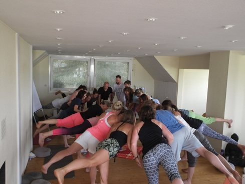 Yogaübung Krieger3